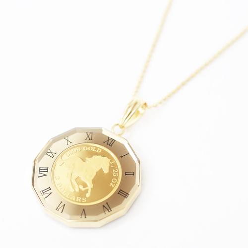 日本製 純金 K18 ホース コイン ペンダント  時計盤 デザイン枠 4218-HG20