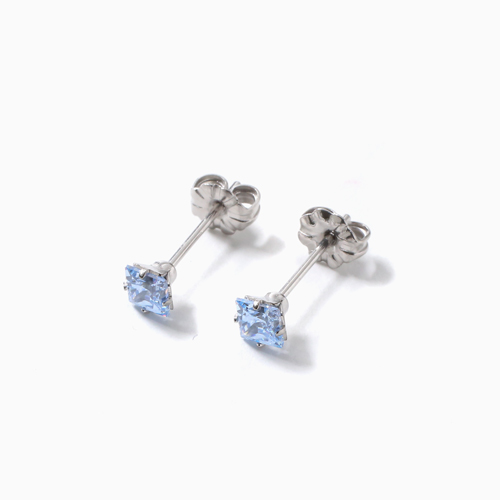 スワロフスキー 純チタン PURETITANIUM MARE マーレ  ピアス 4mm ブルー・ダイヤモンド カラー 4507-TZ21