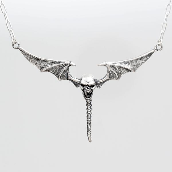 Skull & Bat Wing?Pendant