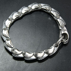 DRAGON HEAD NICKLE BRACELET