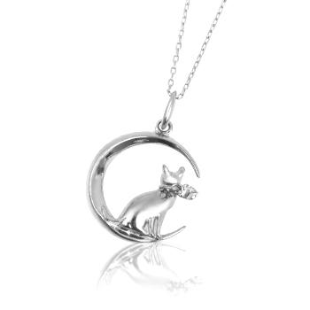 K18金WG(ホワイトゴールド) 三日月・猫 ネコモチーフ ダイヤモンドペンダントネックレス・送料無料