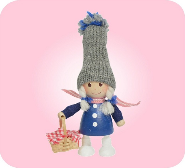 ニッセ人形~かごを持った青いコートの女の子~