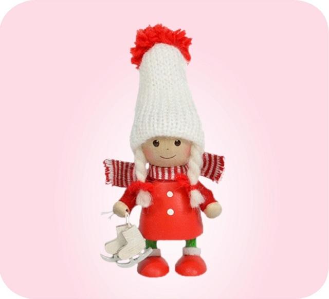 ニッセ人形~スケート靴を持った赤いコートの女の子~