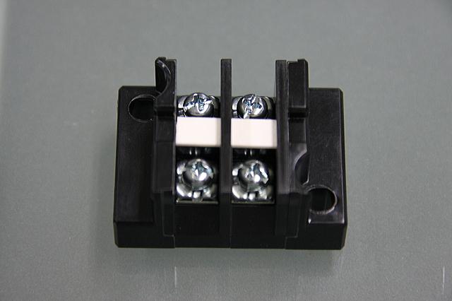 端子台 20A2P   型番T1002