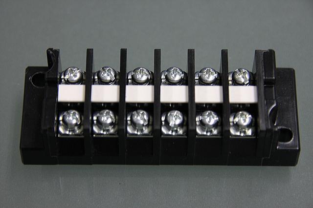端子台 20A6P   型番T1006