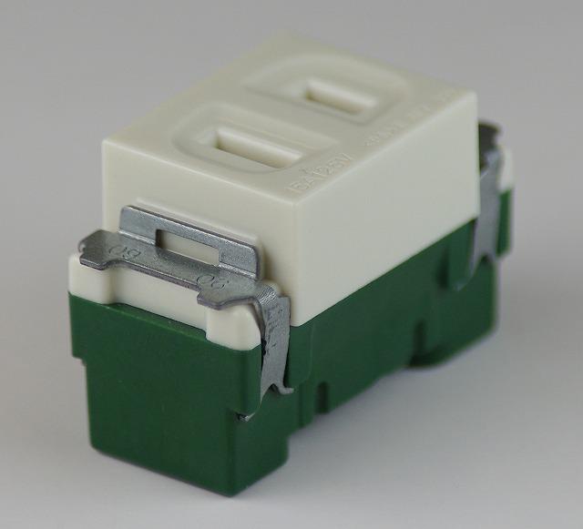埋込連用コンセント 型番WN1001 第二種電気工事士技能試験練習用材料 パナソニック