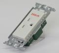 埋込コンセント(15A250V 接地極付) WN1112K パナソニック 【電気工事士試験材料】