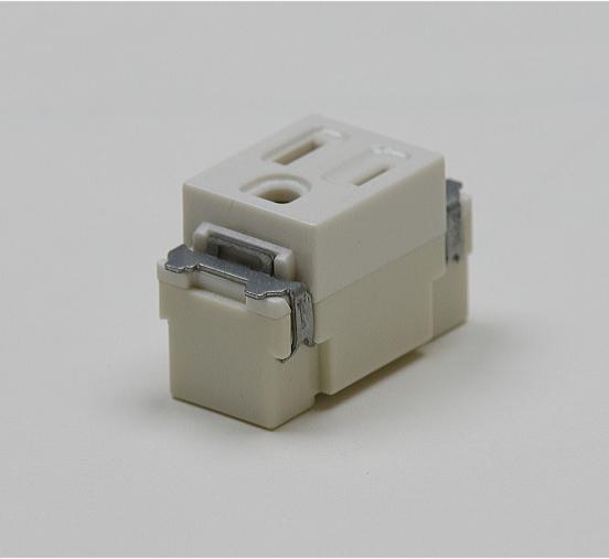 埋込連用接地極付コンセント NDG2111E 東芝 【電気工事士試験材料】