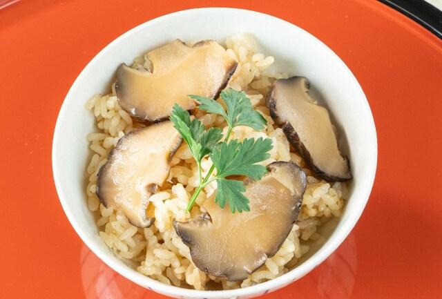 椎茸の炊き込みご飯の素