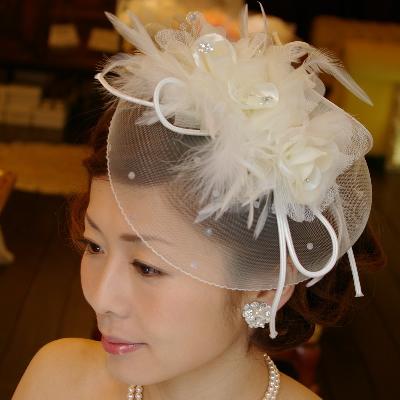 まるでブライダルハットのように華やか 髪飾りヘアアクセサリー B-188