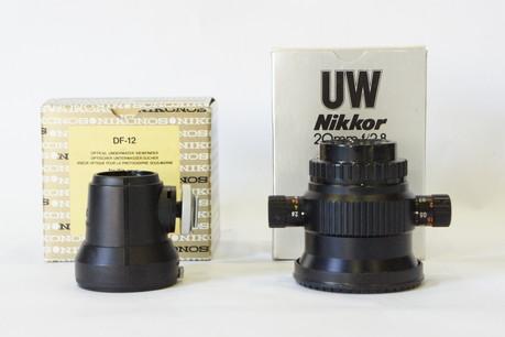 Nikons用UW Nikkor20mm f2.8 と水中専用光学ファインダー DF-12セット(中古/超美品・元箱付き)
