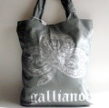 【GALLIANO】ガリアーノのトート・レザーバッグ グレー ミラノで買付けの並行輸入バッグ★送料無料