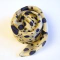 【シルクスカーフ】シルク100%の100×100cmの絹スカーフ/水玉モチーフ/ドット柄/ネイビーとレッド★メール便対応