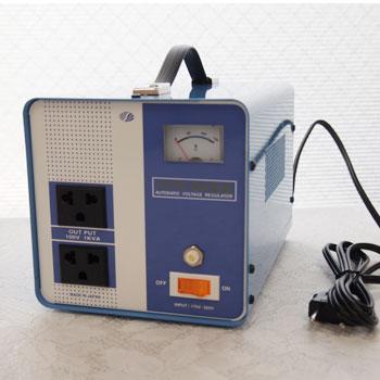 電圧安定装置1000W