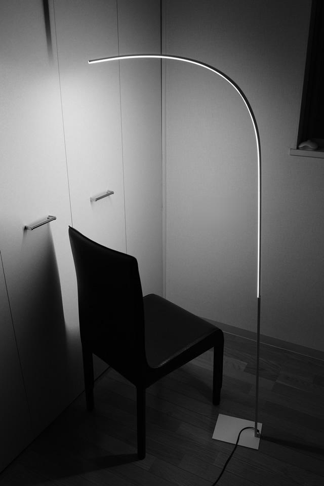 LED フロアランプ