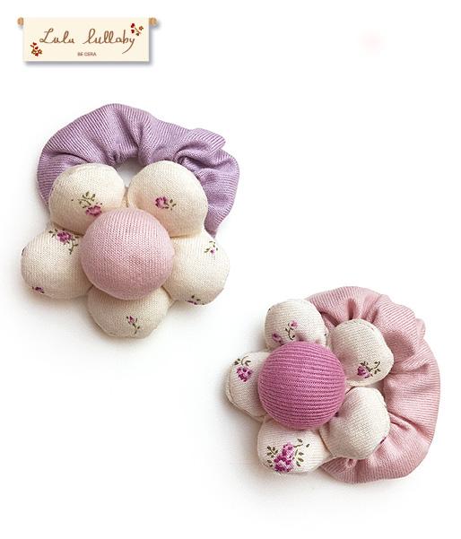 【ベビー】お花のリストガラガラ(鈴入り)綿100%