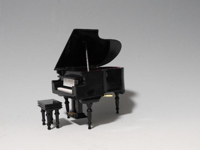 オルゴール グランドピアノ 9cm 黒