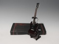 ミニチュア楽器  Axe Heaven PT-223 Pete Townshend Signature Stained Electric Mini Guitar