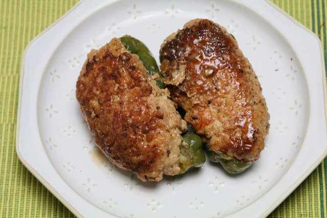【美味しい鶏肉で】肉厚ピーマンの肉詰め