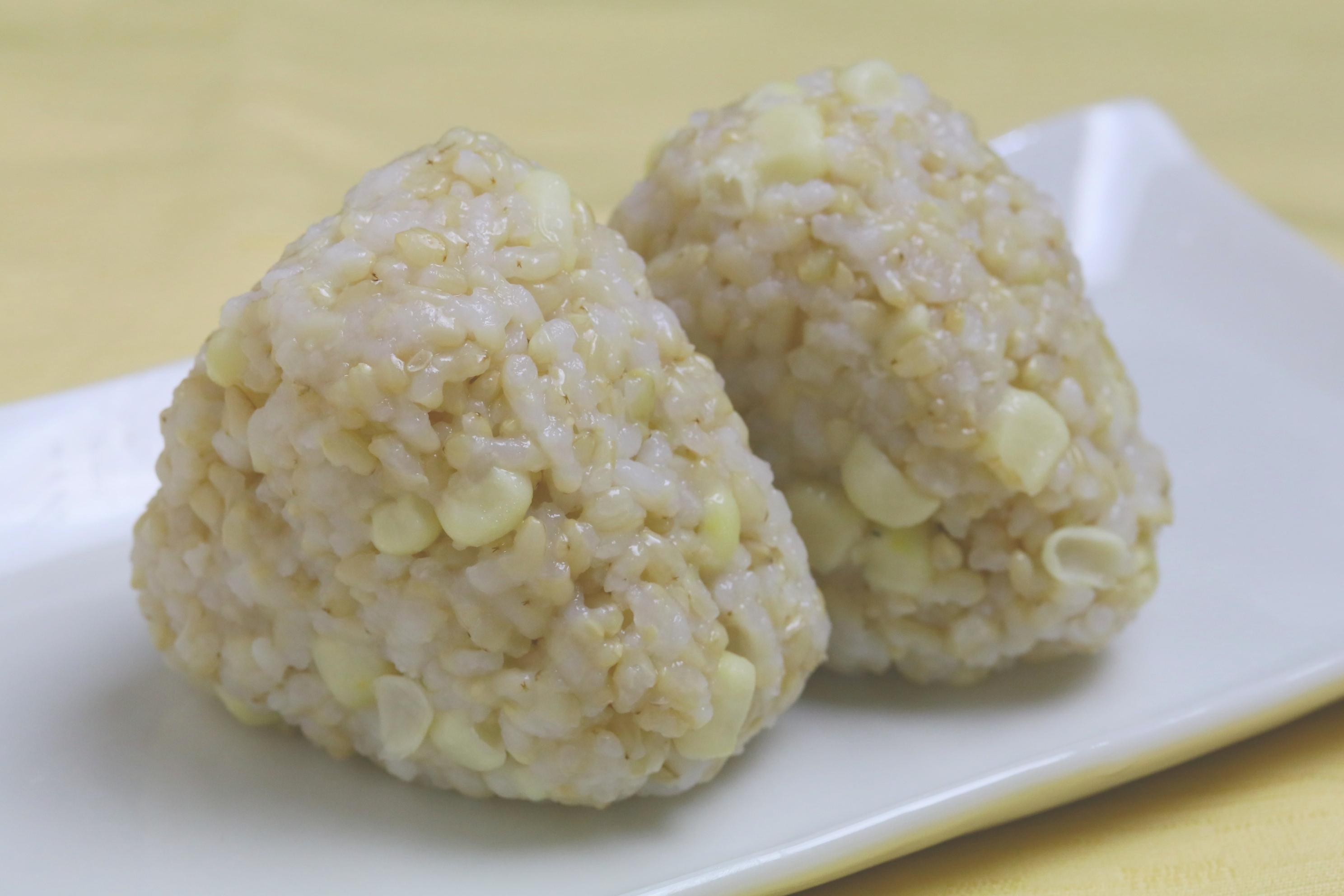 【夏限定】白とうもろしの発芽玄米おにぎり