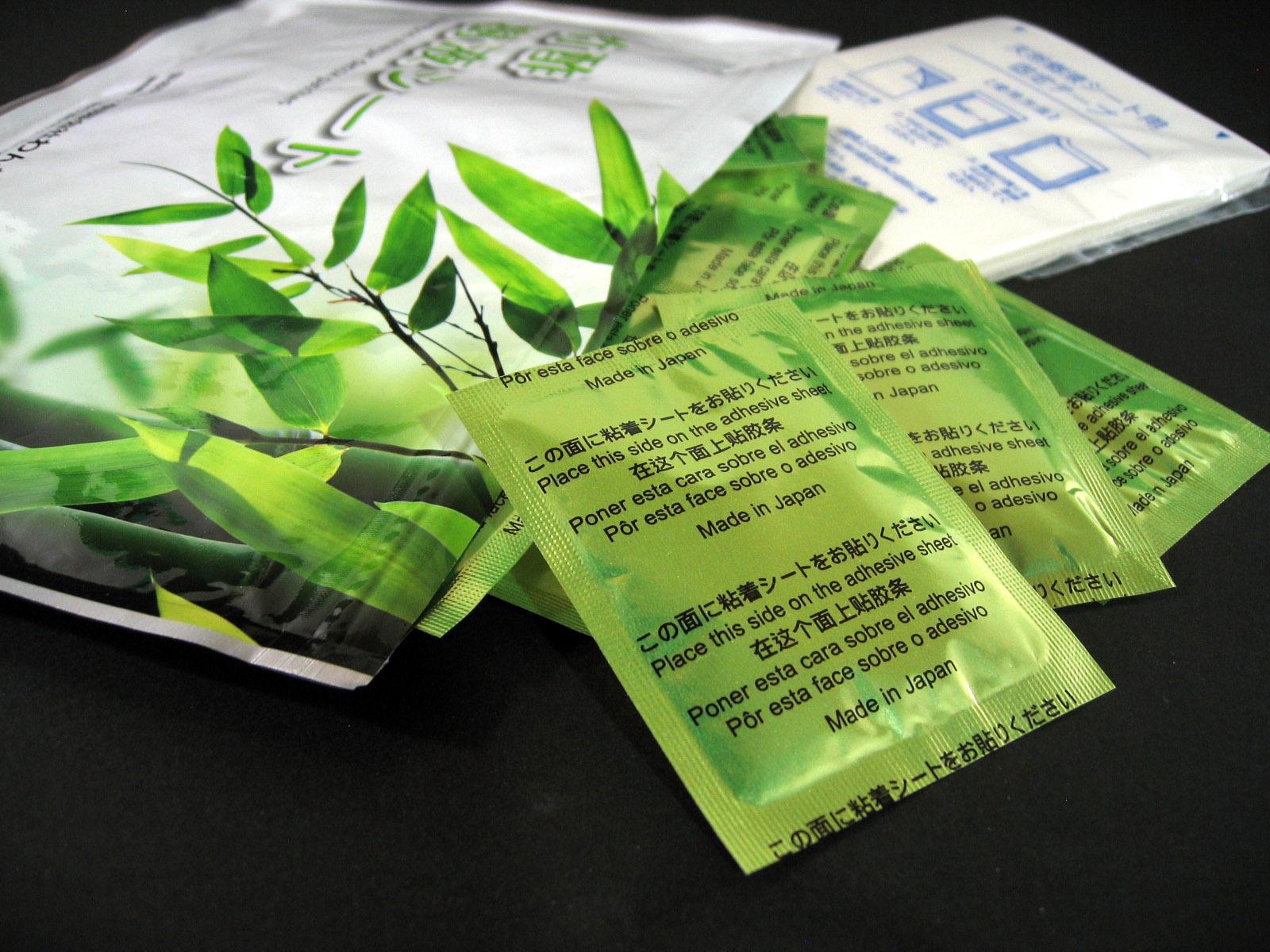 竹酢樹液シート。竹酢液を使用し、性能を高め、漏れ溢れる程濡れる竹酢樹液シートです。