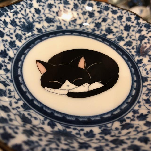 眠り猫 4号皿揃