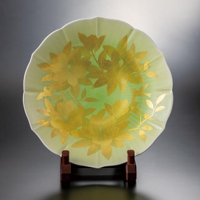 16号飾皿 釉裏金彩泰山木文