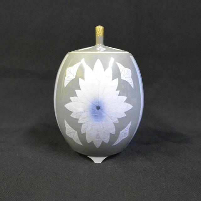 中田一於 墨地紫苑釉裏銀彩花文香炉