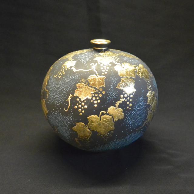 仲田錦玉 丸形葡萄青粒3.8号花瓶