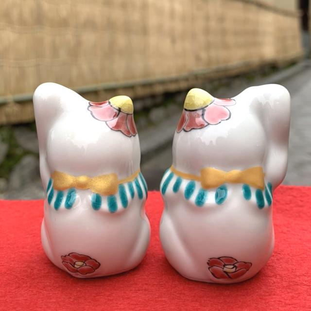 2月の招き猫「つばき」後ろ姿