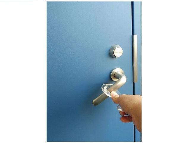 ドア オープナー