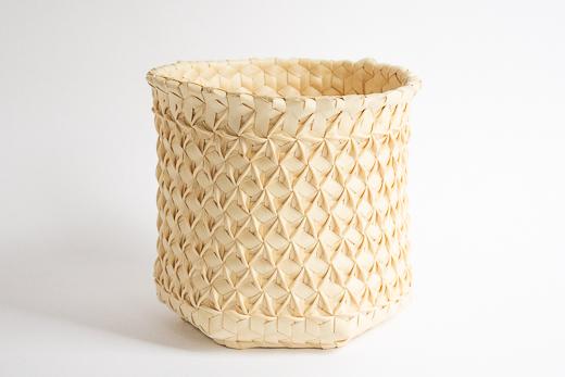 インドネシア フローレス島 椰子のかご (M)