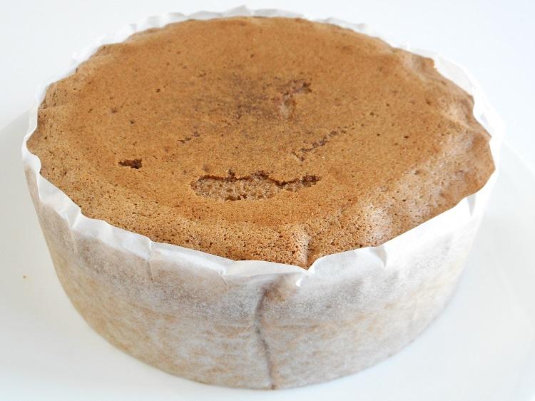 九州産自然栽培小麦と粗糖と地鶏卵で作ったスポンジケーキ台(ココア)【0.4kg】