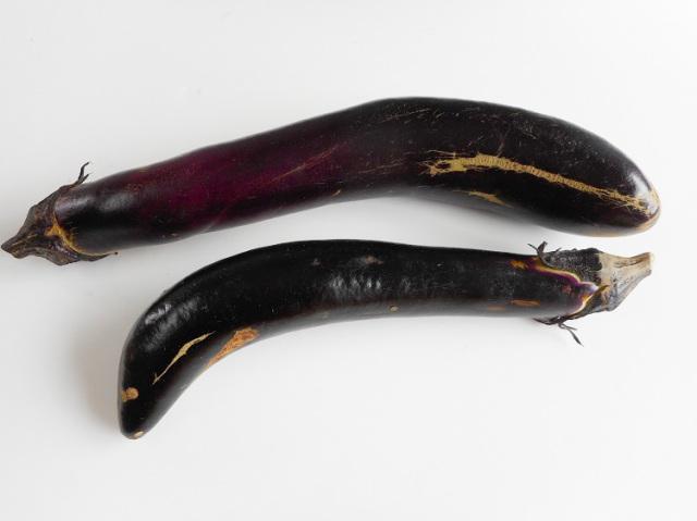 九州産なす2本入(市場野菜)【0.3kg】