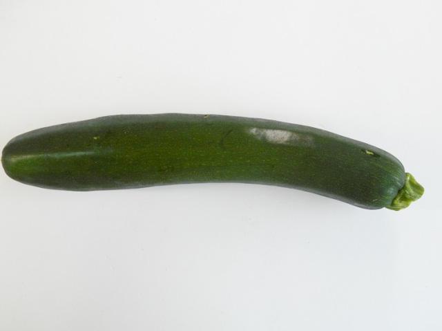 九州産ズッキーニ2本入(市場野菜)【0.4kg】