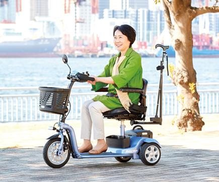 【電動車いす】小回りができて操作しやすい三輪型電動シニアカー S638 スマートパル ライト
