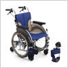 【自走用】抜群の小回りで狭い住居内もスイスイ。コンパクト6輪車いす スキット500 自走型 ブルー SKT-500