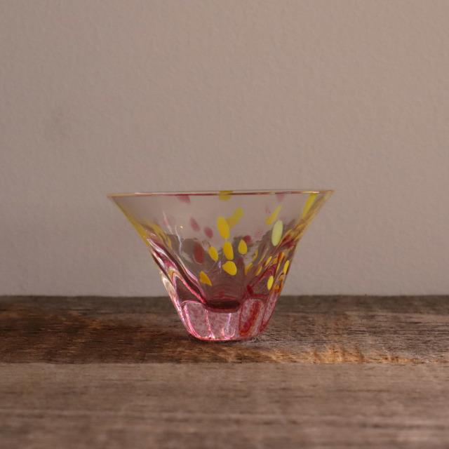色和ガラス ぐい呑(TJ703)  桃 50cc / 丸モ高木陶器