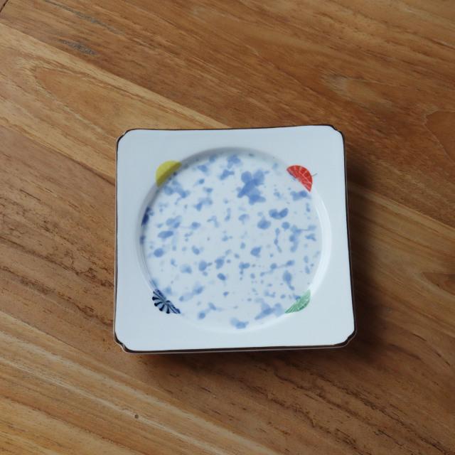 錦菊紋吹墨角丸皿/丸モ高木陶器