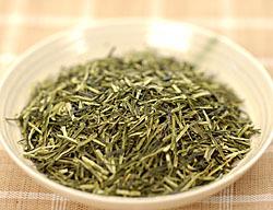 鶴粋銘茶 白折(しらおれ=茎茶)の茶葉外観です