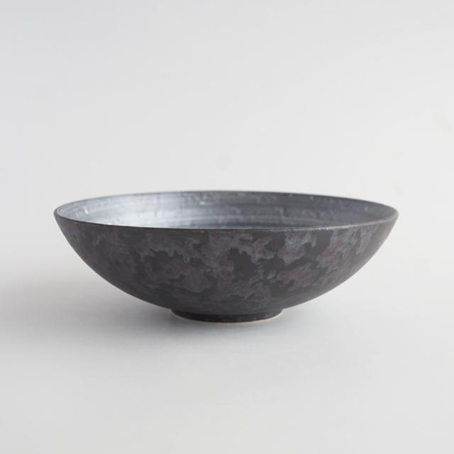 多用鉢 黒サビ絞り雲銀