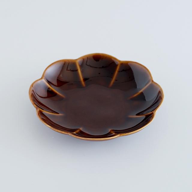和食器通販 有田焼 窯元 金善窯 菊割 皿 プレート 花 菊 │株式会社金善製陶所
