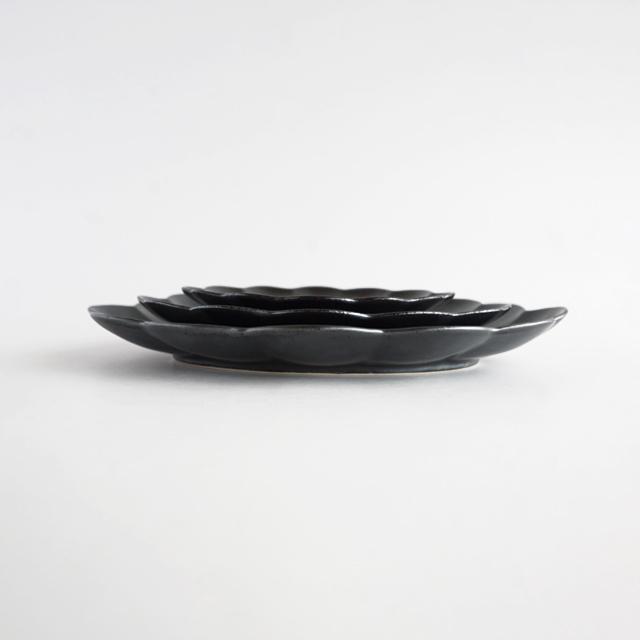 楕円菊割皿 銀砂 金善窯 有田焼