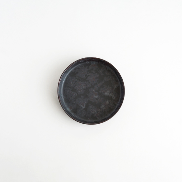 バーチカルプレート 黒サビ絞り 金善窯 有田焼 10cm
