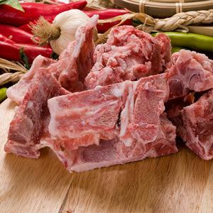 ▲冷凍▼じゃがいも鍋用豚背骨1kg■韓国食品■ 0447