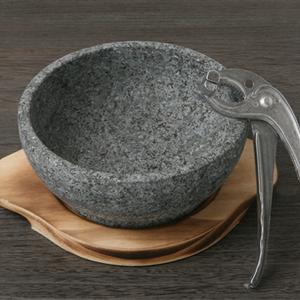 石焼ビビンバ3点セット【石焼ビビンバ器「16cm」、石鍋用木台「16cm」、ジップケ】■韓国食品■ 2004