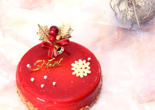 完熟いちご菓子研究所、クリスマスケーキ、予約販売、シャンパンケーキ