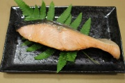 時鮭切身6切 ~養殖の鮭とは違う天然の脂のり~