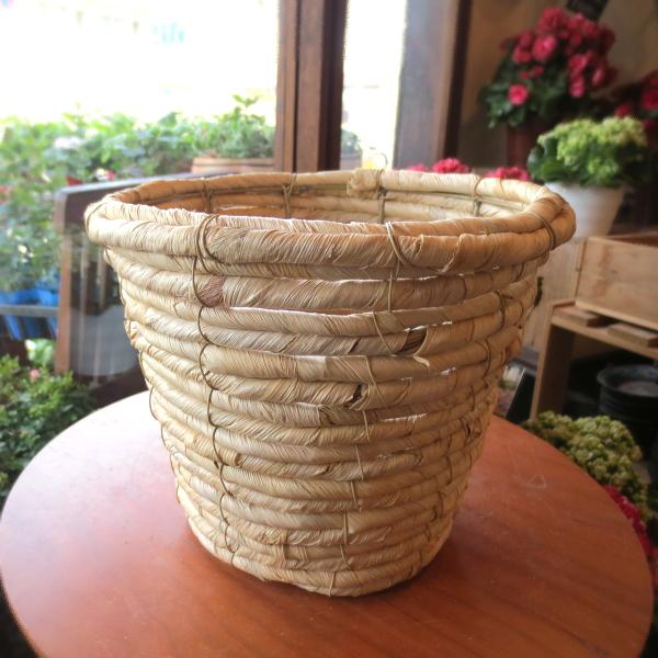 お花やグリーンがもっと素敵になりますよ♪バスケット鉢カバー(ナチュラル)5号鉢サイズ 【観葉植物 ミニ インテリアグリーン 鉢花 鉢カゴ 鉢かご バスケット】