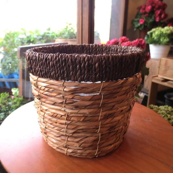 お花やグリーンがもっと素敵になりますよ♪バスケット鉢カバー(ブラウン)5号鉢サイズ 【観葉植物 ミニ インテリアグリーン 鉢花 鉢カゴ 鉢かご バスケット】